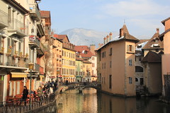 Annecy, Savoie, France: La vieille ville, The old town, Die Altstadt. (Histgeo) Tags: france annecy alpes lac savoie altstadt oldtown vieilleville flickrdiamond histgeo rememberthatmomentlevel1 rememberthatmomentlevel2 rememberthatmomentlevel3