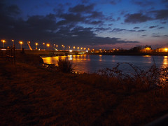 New Loughor railway bridge 25th March 2013 (10) (Gareth Lovering) Tags: bridge water swansea wales night river landscape group railway trains olympus llanelli user omd lovering networkrail loughor em5 oowug