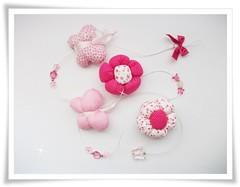 móbile flores e borboletas (Denise Bierende) Tags: flores fuxico bebê borboletas móbile decoraçãoinfantil