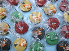 Angry Birds 'Party Bag Biscuits' (Cakes By Jacques) Tags: cookies birds pigs angry biscuits iced bomb favor jacques favour angrybirds cakesbyjacques partybagbiscuit