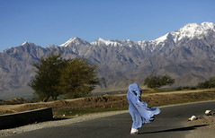 Spontaneous poem (Dadda.) Tags: blue afghanistan mountains poem bluesky kabul burqa spontaneous burka