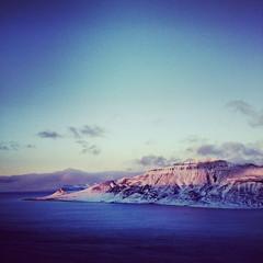Hiortfjellet, Svalbard (jcolsen) Tags: winter sunset mountain snow norway landscape norge vinter hike glacier svalbard arctic tur coal fjell snø solnedgang isbre longyearbyen landskap kull hiortfjellet