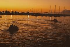 La distancia justa, para no quemarme, para no enfriarme (gabo.rivera61) Tags: day photography antofagasta sunset follow chile