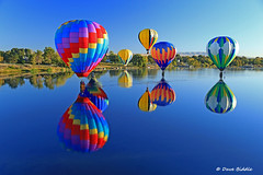 How low can you go (littlebiddle) Tags: prosser washington balloons river hotairballoons yakimariver reflection water