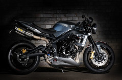 2012-Triumph-StreetTriple-Ace675CRSpeciala