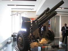 "US 105mm M2A2 Field Gun 1 • <a style=""font-size:0.8em;"" href=""http://www.flickr.com/photos/81723459@N04/28933797452/"" target=""_blank"">View on Flickr</a>"