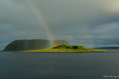 entre els nvols (nuri_bri) Tags: norway nordkapp rainbow arcoiris arcdesantmart fjord fiordo agua water aigua np noruega inexplore