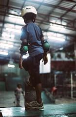Khmer Skate (Gonzalo Campos Garrido) Tags: cambodia camboye camboya travel viaje 35mm film vida vderano pse ong phnom penh sport deporte skate kodak portra160 portra iso160