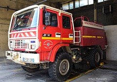 CSP Aix-en-Provence - CCF 134 (Arthur Lombard) Tags: pompiers caserne casernedepompiers renault renaulttruck renaultmidliner rvi 4x4 red rouge brush brushtruck ccf renaultm210 aixenprovence sdis sdis13 france 911 112 18 firedepartment firebrigade firetruck firestation nikon nikond7200 bluelight gyrophare