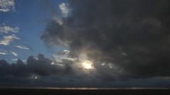 Regenneigung in St. Peter-Ording; Eiderstedt, Nordfriesland (16) (Chironius) Tags: eiderstedt nordfriesland schleswigholstein deutschland germany allemagne alemania germania    ogie pomie szlezwigholsztyn niemcy pomienie stpeterording nordsee meer see wolken clouds wolke nube nuvole sky nuage  himmel ciel cielo hemel  gkyz northsea mardelnorte maredelnord merdunord