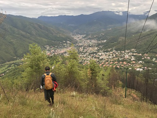 Hiking to and from Phajoding