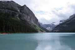 Lake Louise (Patricia Henschen) Tags: banff banffnationalpark parks parcs canada alberta lakelouise lake clouds mountains canadian rockies northern rockymountains lakeshore trail