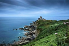 Castle Lalatte #explore (Fabien Georget (fg photographe)) Tags: castlelalatte castle fortlalatte ocean mer lighthouse sea longexposure landscape paysage water sky ploumanach ayezloeil beautifulearth bigfave canoneos600d canon elitephotography elmundopormontera eos fabiengeorget fabien fgphotographe flickr flickrdepot flickrunited georget geotagged flickunited longue mordudephoto nature paysages perfectphotograph perfectpictures wondersofnature wonders supershot supershotaward theworldthroughmyeyes shot poselongue photography photo greatphotographer french monument capfréhel bluehour bretagne britanny granit seascape rocks sunset slowshutter heurebleue long exposure