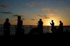 Orthodox (dtanist) Tags: nyc newyork newyorkcity new york city sony a7 contax zeiss carlzeiss carl planar 45mm brooklyn shore promenade bath beach orthodox jews jewish judaism tashlikh rosh hashanah silhouette sunset evening