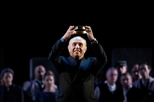 Leo Nucci as Nabucco in Nabucco © ROH / Catherine Ashmore 2013