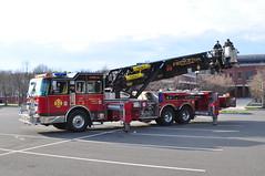 Princeton Fire Department Princeton Hook & Ladder Tower 60 (Triborough) Tags: tower newjersey nj firetruck princeton fireengine ladder kme mercercounty pfd towerladder tower60 princetonfiredepartment princetonhookladder princetonhookandladder