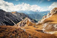 Val Badia (Youronas) Tags: mountains alps berg grass meadow berge valley alpini alpen vigil sdtirol gebirge altabadia stvigil sennes felsig fanes valbadia gadertal pizdaperes gadervalley foschedura fuscheduratal foscheduravalley puntatredita coiaic