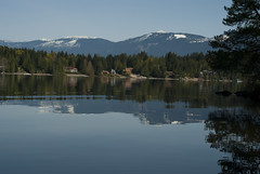Sproat and the Beaufies (Scott Darbey) Tags: trees canada mountains nature water vancouver island bc pacificnorthwest portalberni sproatlake mansions beaufortmountainrange scottdarbey