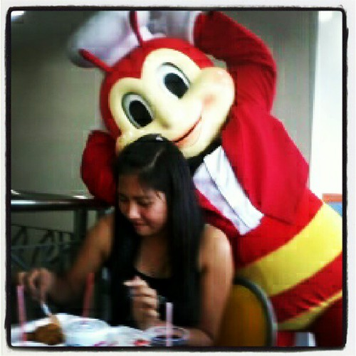 #jollibee and princess jabnuy @jas_tin h by rikki.shiratori, on Flickr