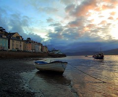 aberdyfi aberdovey caernarfonshire coast wales (plot19) Tags: uk houses sea water wales sunrise river boats coast boat seaside nikon britain welsh now aberdovey aberdyfi britishcoast caernarfonshire plot19