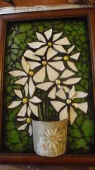 Daisy mosaic for my sister. (Poppins Mosaics and Crafts) Tags: daisies temperedglasstgcupmosaic
