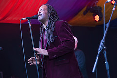 Average White Band @ Mostly Jazz 1 (preynolds) Tags: musician music festival concert birmingham raw dof singing stage gig livemusic noflash soul singer microphone moseley frontman mark2 stagelights moseleyprivatepark tamron70200 canon5dmarkii counteractmagazine tamronsp70200f28divcusd mostlyjazz2016