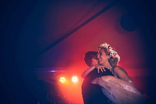 First Dance {piedmont wedding} #firstdance #wedding #love #dance #dancing #lights #weddingphotographer #photooftheday #igersmilano #igerspiemonte www.claudiacala.it