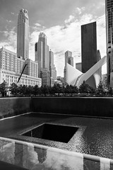 National September 11 Memorial (Stefano Belvisi) Tags: lowermanhattan manhattan newyork usa statiuniti financialdistrict downtown downtownmanhattan nationalseptember11memorial wtc1 911 pool calatrava path groundzero station stegosaurus