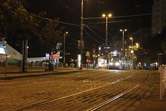 Ulica (magro_kr) Tags: wiede wieden vienna wien austria sterreich oesterreich osterreich noc ruch ulica plac night traffic street square