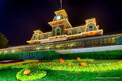#MagicKingdom Halloween Disney 2014 (Mickey Views) Tags: magickingdom wdw disneyworld halloween hdr 2014 pumpkin disneyphotography hdrdisney front night nightphotography disney