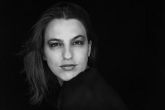 Ma jolie petite soeur (Lova Photo - Vanessa Longo Renard) Tags: woman beauty eyes ringlight emotion sister love family