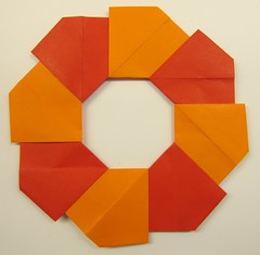 Ring 02 (Tomoko Fuse) (ChrisL_AK) Tags: origami ring wreath tomokofuse
