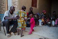 Longo caminho de volta para casa: o retorno de uma família a Timbuktu (AcnurLasAméricas) Tags: family westafrica mali idps returnees voluntaryrepatriation returningidps