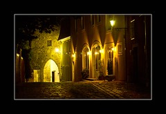 Nacht in Schrding  (Night in Schrding) (alfred.hausberger) Tags: austria nacht upper obersterreich burg lichter schrding strasenszene updatecollection