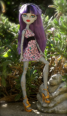 New shoes for the mummy... (Lenekie) Tags: monster high doll cam create mummy createamonster
