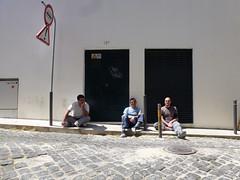 viva o sol (*L) Tags: sol pessoas lisboa sinal estaparede travessadoalcaide