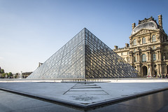 Pyramides du Louvre (Samuel Boivin) Tags: paris france fountain museum architecture nikon chateau pyramide louvres d600