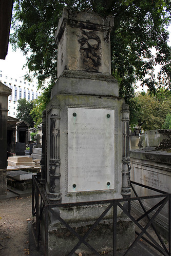 Tomb of Henry C. Bathasar Baron Vincent (1775-1844) - Lieutenant General - and his family