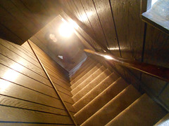 Chunlin Down the Stairs (Sotosoroto) Tags: washington staircase sammamish