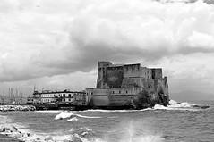 Salsedine. (Francesco De Quattro) Tags: sea bw italy white black water rain italia nuvole mare waves bn e napoli naples castello bianco nero castel onde dellovo