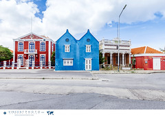 Houses in the Pietermaai District in the city of Willemstad in Curacao. (Vincent Demers - vincentphoto.com) Tags: abcislands amriquedusud antilles antillesnerlandaises architecture architecturecoloniale building btiment carabes caribbean caribbeanisland colonialarchitecture colorful color colourful curacao curaao destinationdevoyage destinationtouristique dutchcaribbean dutchcaribbeanisland historicpietermaaidistrict iledescarabes kingdomofthenetherlands maison multicolore neighborhood netherlandsantilles photodevoyage photographiedevoyage pietermaai pietermaaidistrict quartier quartierpietermaai royaumedespaysbas southamerica tourism tourisme travel traveldestination travellocation travelphoto travelphotography trip voyage willemstad cw