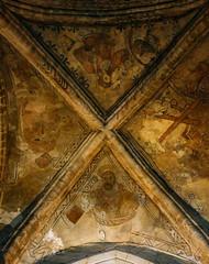 dunfermline abbey (violica) Tags: regnounito unitedkingdom scozia scotland fife dunfermline chiesa church abbazia abbey volta vault affreschi frescoes evangelisti evangelists