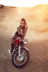 Geneva (Valerie Thompson Photography) Tags: model reno madmax desert nevada renophotographer renoportraitphotographer renonevada retouch dirt motorcycle bike create creative creativephotography photographer photoshoot photoshop artist art artistic dust dusty photography photograph sunset sun sunny naturallight glow light makeup darkmakeup badass canon canon6d california fashion fashionphotography 85mm diyphotography diy hair inspired