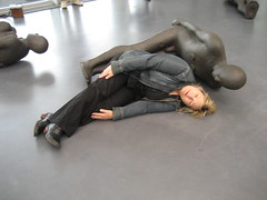 Antony Gormley and Chantal Harvey (Chantal Harvey) Tags: chantalharvey antony gormley antonygormley kunsthal rotterdam expo art