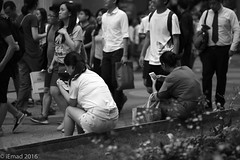 Life in Motion - HK (EHA73) Tags: aposummicronm1290asph streetphotography leica leicamm typ246 monochrome blackandwhite bw hongkong travel timessquare central smartphones crowd people