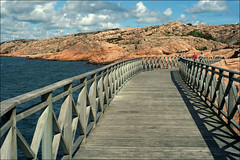 (*Kicki*) Tags: lysekil vstkusten sweden bohusln summer 50mm water sky clouds sea walkway landscape people rocks