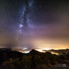 Milky way over Marseille (Laurent VALENCIA) Tags: canon 5dsr 50mpx marseille provence milkyway voielacte univers galaxies ciel toiles stars sky nuit night ville city lights