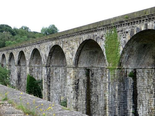 SPOORBRUG NAAST CHIRK AQUADUCT || RAILWAY BRIDGE NEXT TO CHIRK AQUEDUCT