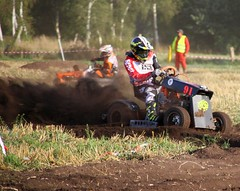 IMG_9545 (Wallus2010) Tags: rasenmherrennen2016 grosmoor motorsport rennen hbschemdchen boxenluder eos500d tamron18200vc lawnmower racing lawnmowerracing germany outdoor moorbockcross 2016 moorbockrennen