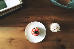 (monsters.monsters) Tags: dessert farmhouse rustic table handmade cafe sundaymorning coffee cappuccino